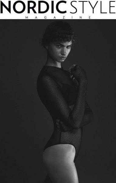 Sexy nude indian call girl